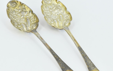 A PAIR OF GEORGE III STERLING SILVER BERRY SPOONS