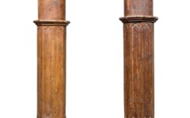 A PAIR OF INDIAN WOOD COLUMNS EARLY 20TH CENTURY.