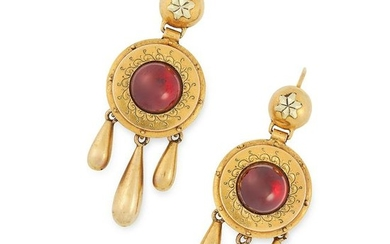 ANTIQUE GARNET SUITE comprising of a pair of earrings