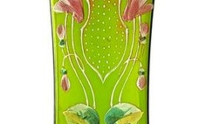 Glass vase in shades of green with floreala decorum.