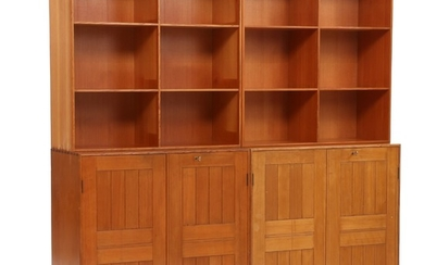 Mogens Koch: Wall unit comprising two cabinets, two bookcases and two plinths of solid Oregon pine. (6)