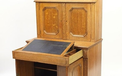 Oak Secretaire cabinet, the superstructure fitted an