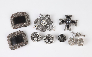 SELECTION OF RHINESTONE CLIP-ON EARRINGS, TWO PINS, ONE PAIR VINTAGE...