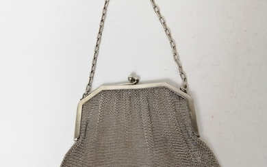 Silver mesh bag with plain mount, Import Marks. 6oz.