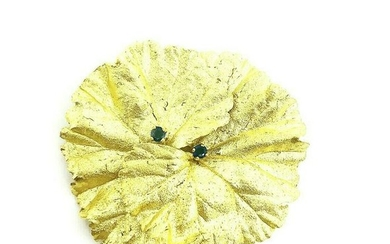 VINTAGE 1970's 22K Hummered Yellow Gold Sapphire Flower