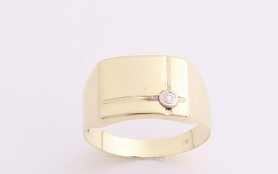 Yellow gold ring, 585/000, with diamond. Men ring with