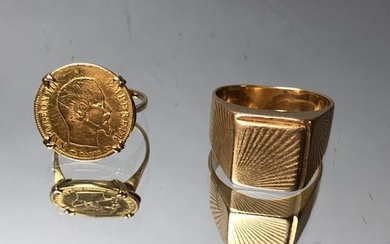 Yellow gold signet ring and signet ring decorated...