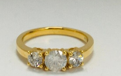 14ct Yellow Gold Diamond trilogy ring featuring centre,...