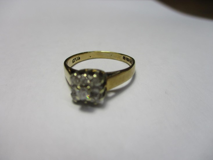 9ct Yellow Gold and 9 x Diamond Stones Total Weight 1.8grms ...