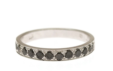 A diamond ring set with numerous brilliant-cut black diamonds, mounted in 18k rhodium plated gold. W. 3 mm. Size 55.
