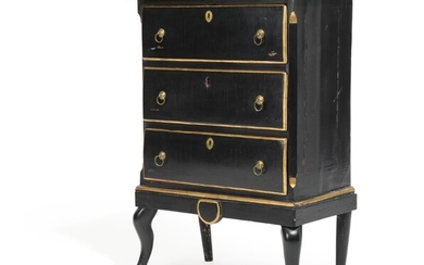 An 18th century partly black and gilded wood chest of drawers. H. 92. W. 62. D. 35 cm.