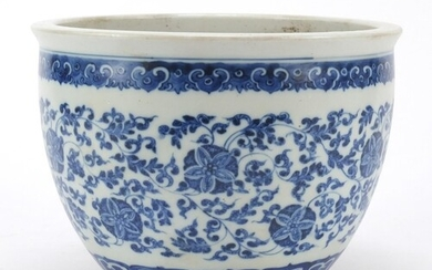 Chinese blue and white porcelain jardiniere, finely hand pai...