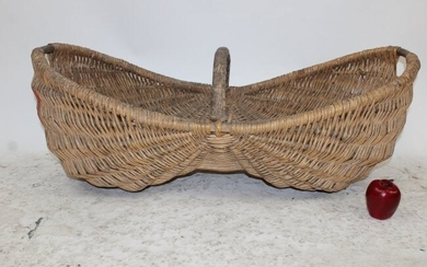 French wicker grape harvest basket Le Benaton