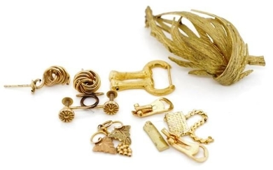 Gold jewellery parts or scrap approx marked 9ct 0.8 grams, 1...