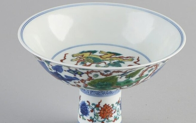 Large Chinese porcelain bowl on a high base, with Foo