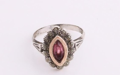 Silver ring, 800/000, with a rosette mark magnesite