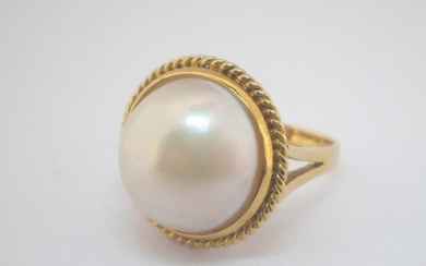 18 kt. Mabe pearl, Yellow gold, 17 mm - Ring
