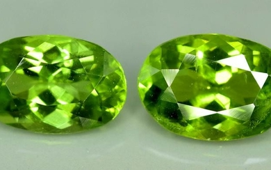 6.45 carats eye Clean Oval Cut Calibrated Apple Green