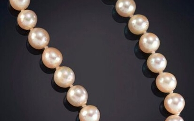 8 MM JAPANESE PEARL NECKLACE OF BEAUTIFUL COLOR AND HOMOGENEOUS EAST WITH ANTIQUE CLASP IN 18K WHITE AND YELLOW GOLD. Price: 100,00 Euros. (16.639 Ptas.)