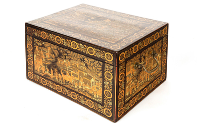 A CHINESE EXPORT BLACK LACQUER BOX, LATE QING DYNASTY
