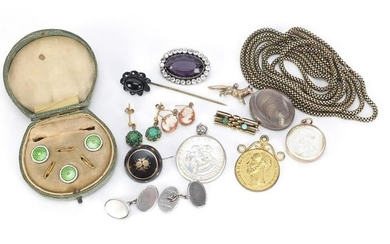 Antique and later jewellery including a set of