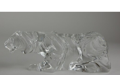 BACCARAT, A CRYSTAL GLASS SCULPTURE OF A PANTHER Crouching p...