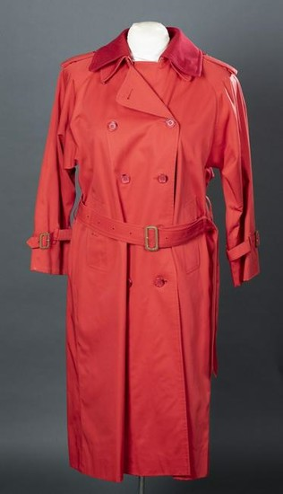 Lot Art Burberry Red Trench Coat, Trench Coat Buckle Collar