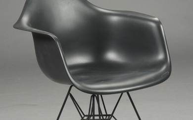 Charles & Ray Eames. Armstol, model DAR