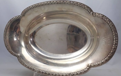 Oval serving tray with beautiful rim - .800 silver - Wilkens, Bremen - Germany - Early 20th century