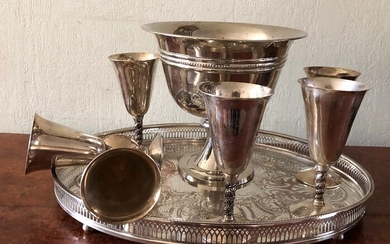 Silver plated wine/champagne cooler with 6 large silver plated goblets, and silver plated tray - Silver plated
