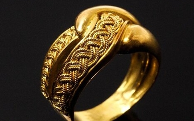 VINTAGE RING in 19.2 K. Yellow GOLD, with lateral braiding manual work - Elaborated in 1940 or 1950
