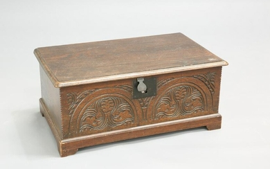 A 17TH CENTURY OAK BIBLE BOX, with moulded hinged