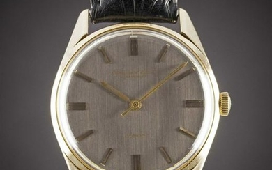 A GENTLEMAN'S 18K SOLID GOLD IWC AUTOMATIC WRIST WATCH