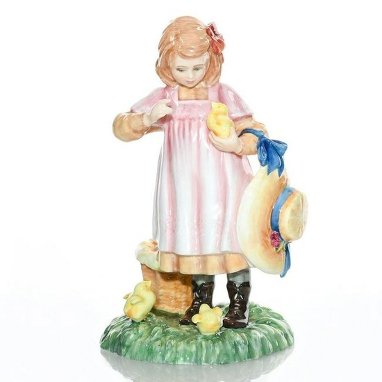ROYAL DOULTON FIGURINE COLORWAY OF FEEDING TIME HN3373