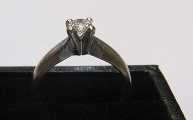 18ct white gold diamond solitaire ring (approx 0.2ct) Appro...