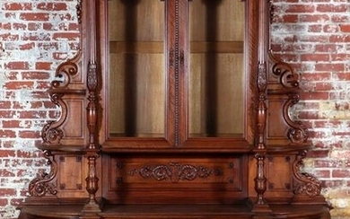 19TH CENTURY CONTINENTAL CARVED CABINET