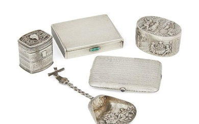 A French silver powder compact with striated...