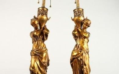 A VERY GOOD PAIR OF 19TH CENTURY OF GILDED BRONZE