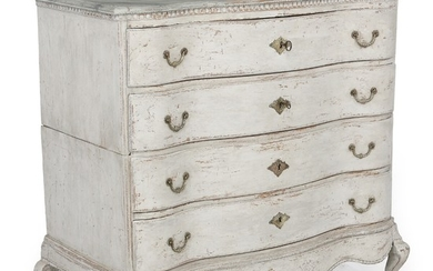 A large painted and marbled Danish Baroque transition Louis XVI chest of drawers. Late 18th century. H. 112 cm. W. 120 cm. D. 62 cm.