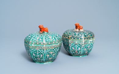 A pair of Chinese Thai market Bencharong covered boxes, 19th C.