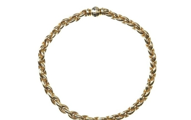 An Italian gold chain necklace