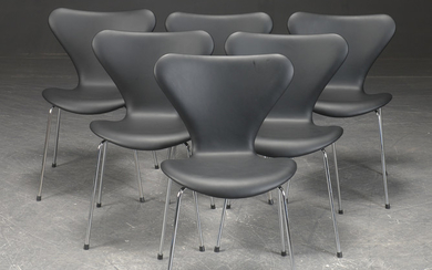Arne Jacobsen. Six 'Series 7' chairs with black leather, model 3107, reupholstered (6)