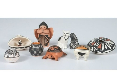 Assorted Acoma Miniature Pottery Pieces