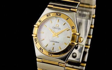 Omega - Constellation Gold/Steel Mother of Pearl Dial - Women - 2000-2010