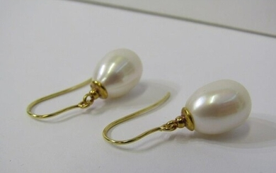 PAIR OF 9ct YELLOW GOLD FAUX PEARL DROP EARRINGS