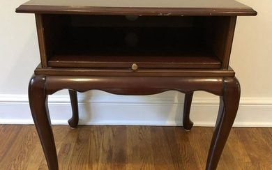Queen Ann Side Table with Pull Out Tray