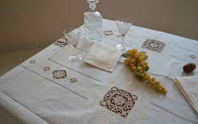 Spectacular!! tablecloth x 12 in 100% pure linen with hand needle stitch embroidery - Linen - 21st century