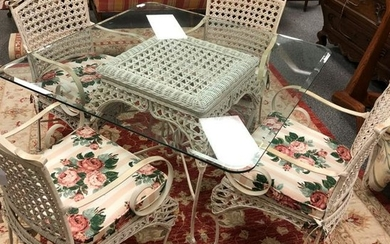 WHITE WICKER & IRON DINETTE TABLE & FOUR CHAIRS