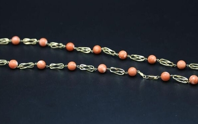 Yellow gold and coral balls necklace - Gross weight : 24 g / L. 58 cm