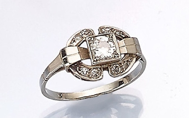 18 kt gold ring with old cut-diamond,...